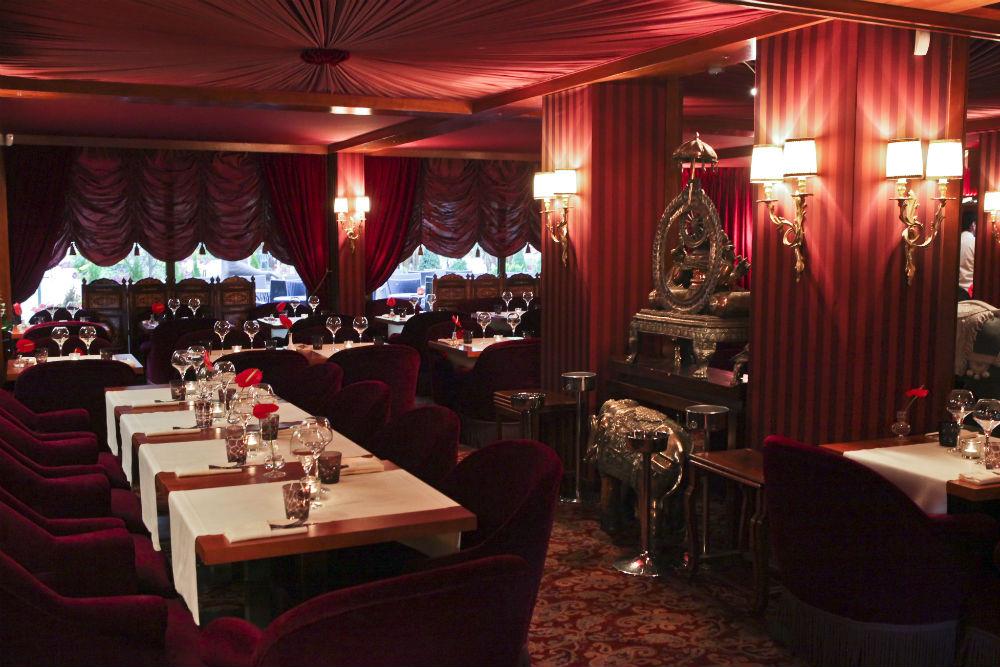 Déco orientale du restaurant aux spécialités cuisine indienne à ...